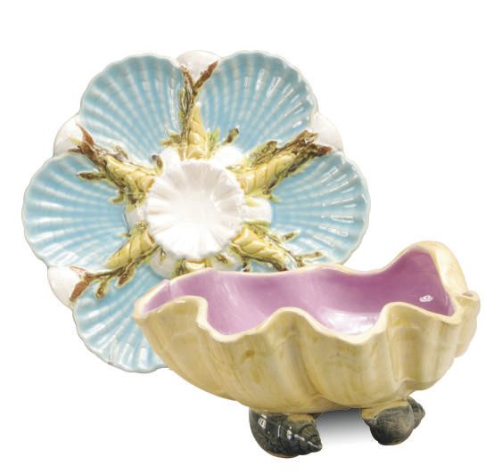 AN ENGLISH MAJOLICA OYSTER PLA