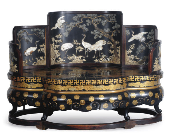 A JAPANESE LACQUER THRONE INLA