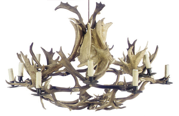 A METAL-MOUNTED ANTLER EIGHT-L