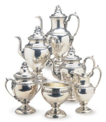 AN AMERICAN SILVER-PLATED SEVE