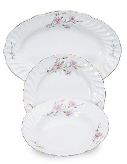 A RUSSIAN PORCELAIN PART DINNER SERVICE,