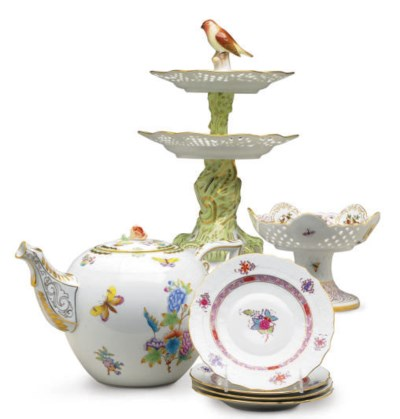 AN ASSEMBLED HUNGARIAN PORCELA