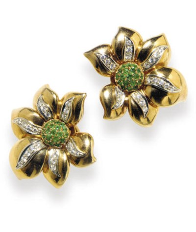A PAIR OF 18K GOLD, DIAMOND AN