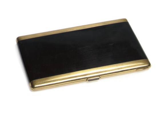 A GOLD, SILVER AND LACQUER CIG