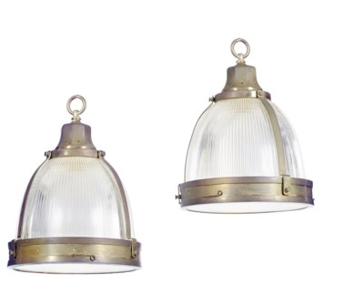 A PAIR OF GILT-METAL MOUNTED G