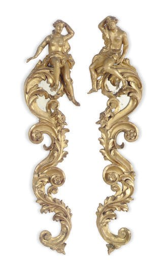 A PAIR OF GILTWOOD SCROLL-FORM