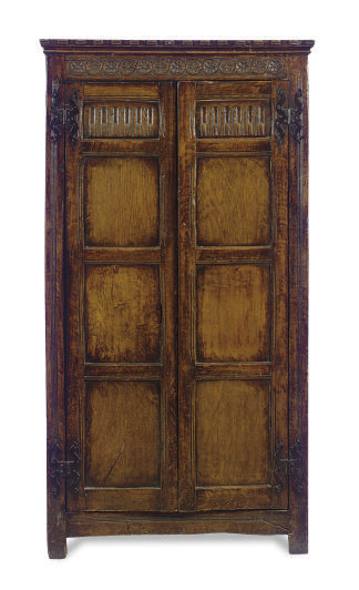 AN ENGLISH OAK CABINET