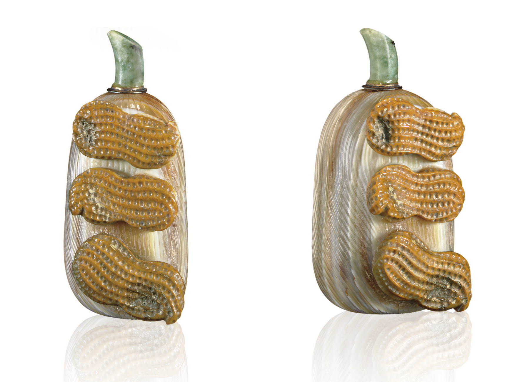 **A CARVED AGATE JUJUBE-FORM S