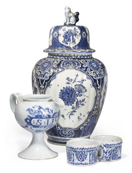 A GROUP OF CONTINENTAL DELFT B