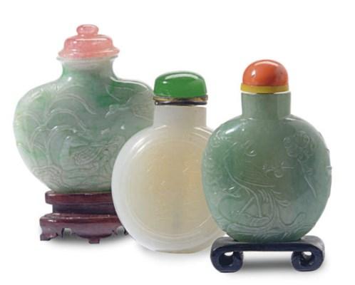 THREE CHINESE JADEITE SNUFF BO