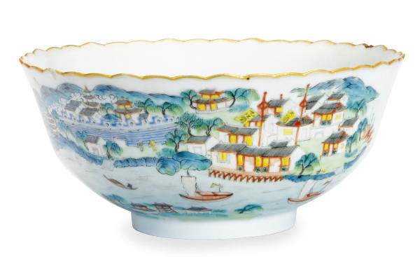 A CHINESE PORCELAIN FAMILLE VE