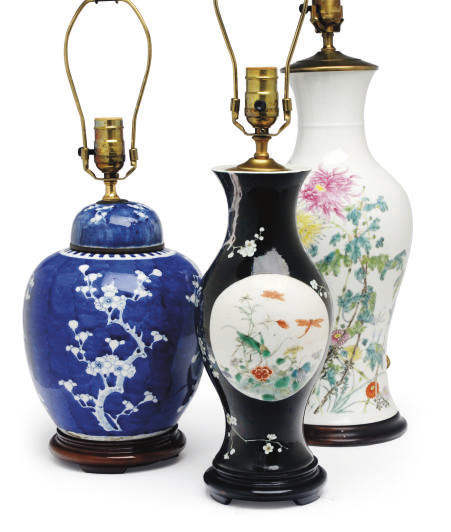 A GROUP OF THREE CHINESE PORCE