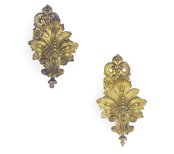 A PAIR OF ORMOLU CURTAIN TIE-B