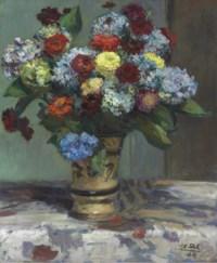 Bouquet de fleurs aux hortensias