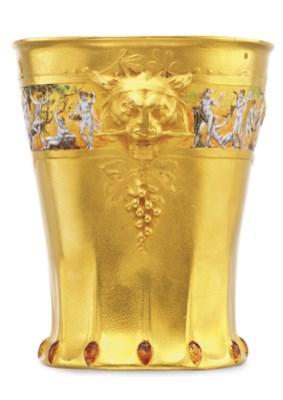 AN ART NOUVEAU GOLD AND ENAMEL