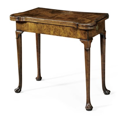 A GEORGE I WALNUT DOUBLE-GATEL