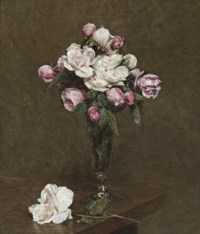 Roses blanches et roses dans une flûte à champagne