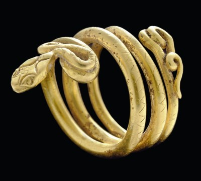 A ROMAN GOLD SNAKE RING