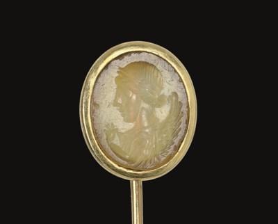 A ROMAN YELLOW CHALCEDONY RING