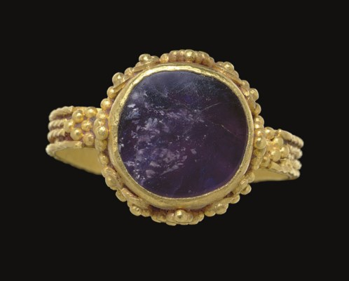 A LATE ROMAN GOLD AND AMETHYST