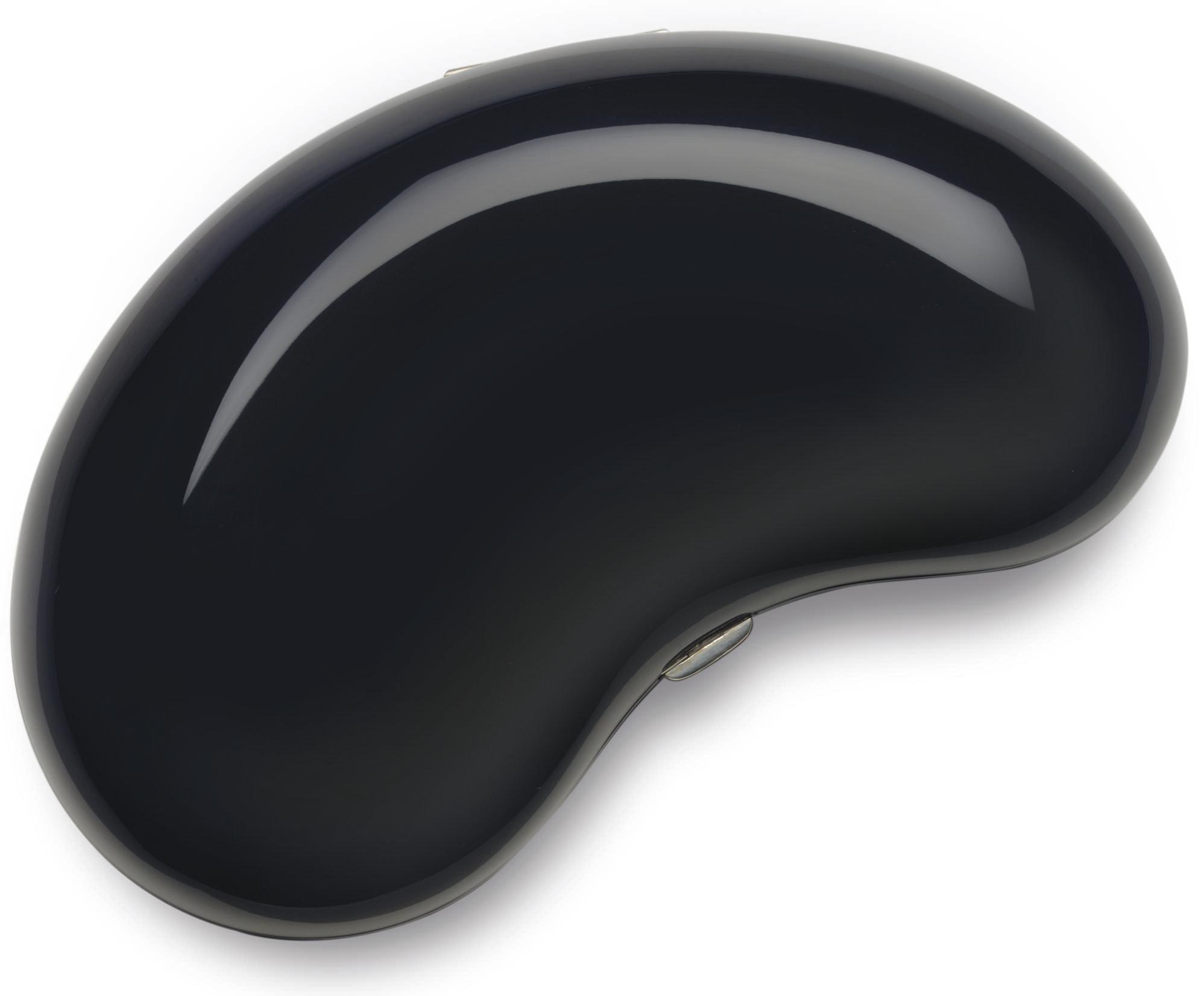 A BLACK LACQUER BEAN CLUTCH PU