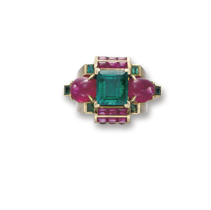 AN EMERALD, RUBY AND GOLD RING