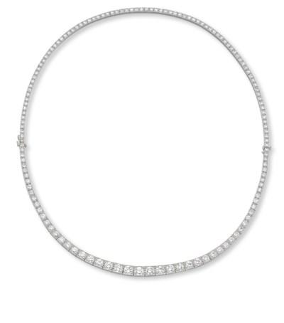AN ART DECO DIAMOND LINE NECKL