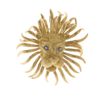 A SAPPHIRE AND GOLD LION BROOC