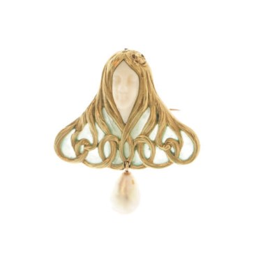 **AN ART NOUVEAU WHITE CORAL A