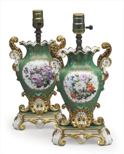 A PAIR OF FRENCH PORCELAIN GRE