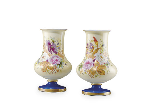 A PAIR OF FRENCH IVORY AND BLU