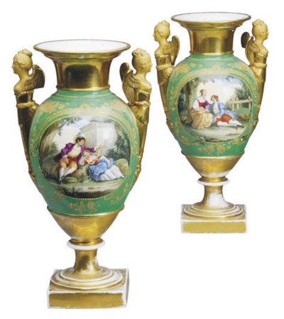 A PAIR OF PARIS PORCELAIN GREE