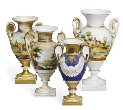 A GROUP OF FOUR PARIS PORCELAI