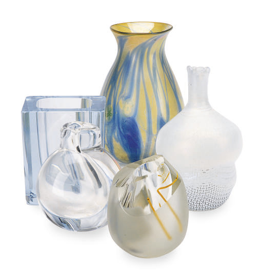 A GROUP OF FIVE ART GLASS VASE