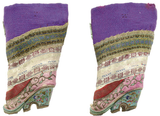 A PAIR OF EMBROIDERED SILK 'LOTUS' SHOES