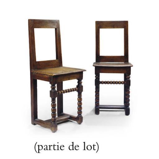 PAIRE DE CHAISES D'EPOQUE LOUI