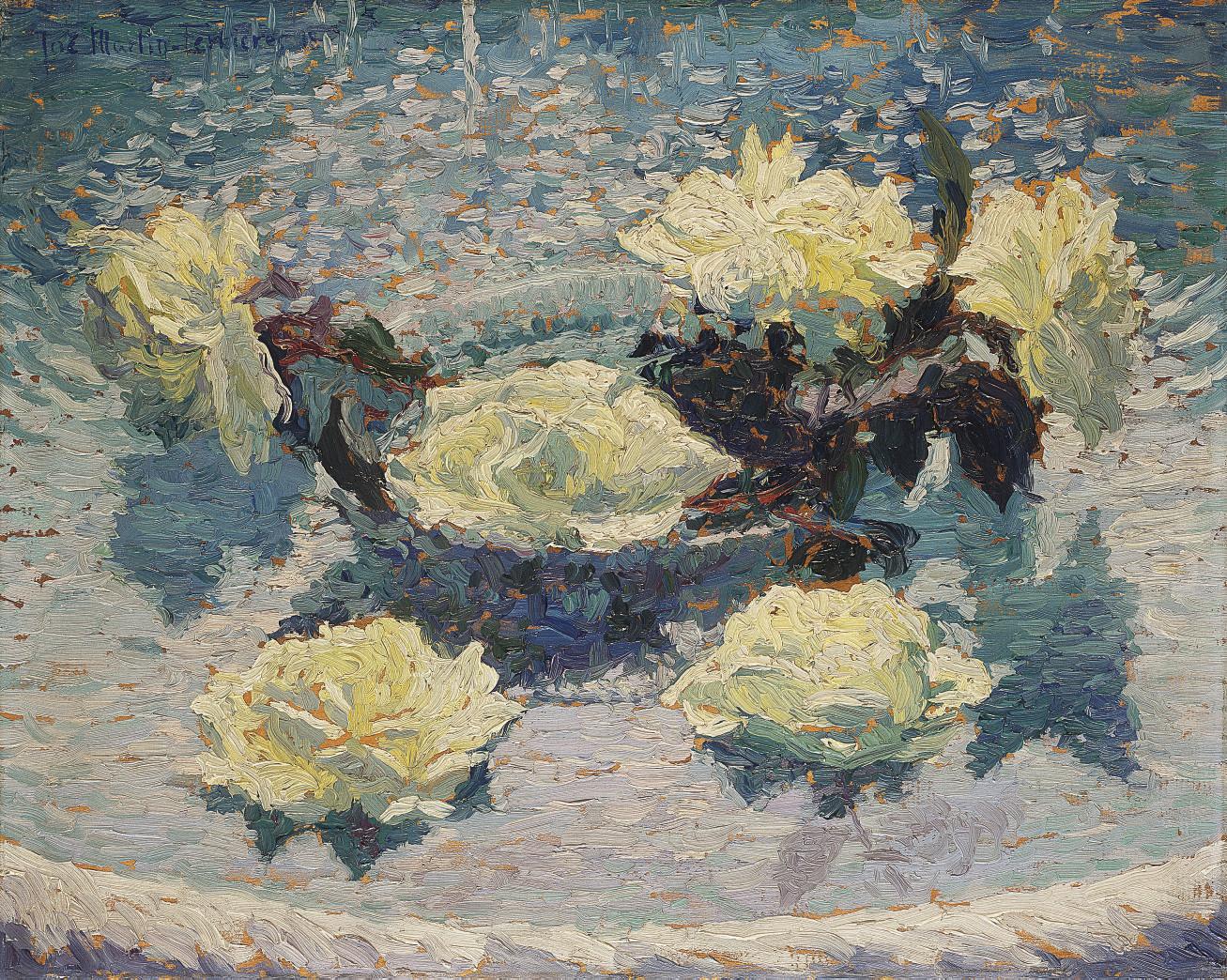 Roses blanches dans un compotier