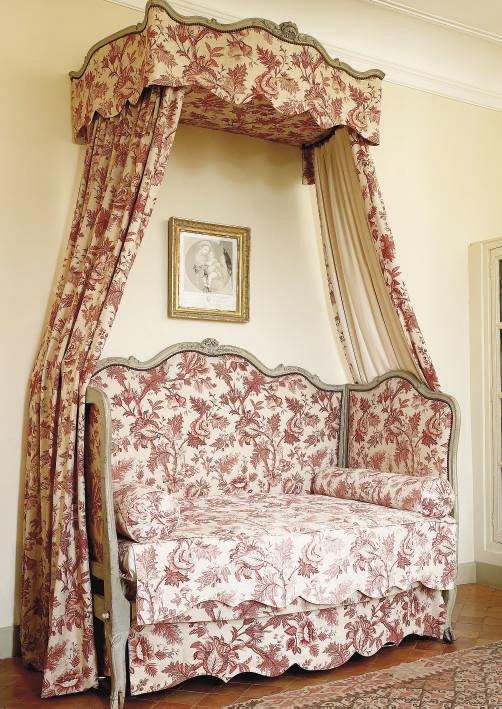 lit d 39 alcove a baldaquin d 39 epoque louis xv christie 39 s. Black Bedroom Furniture Sets. Home Design Ideas