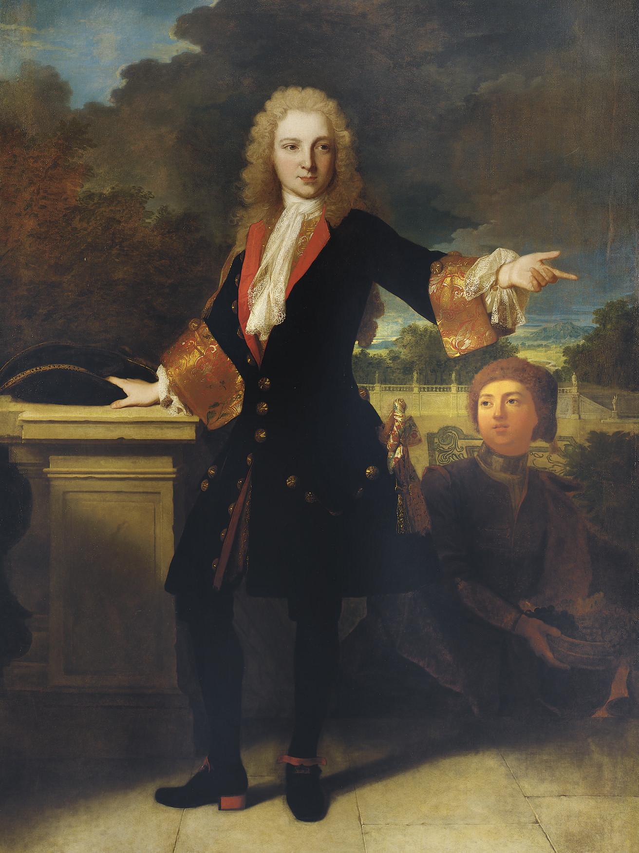 Portrait d'un jeune homme sur une terrasse accompagné d'un page