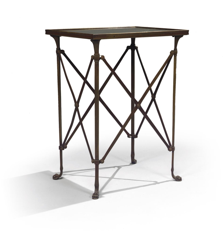 TABLE DE STYLE ANTIQUE