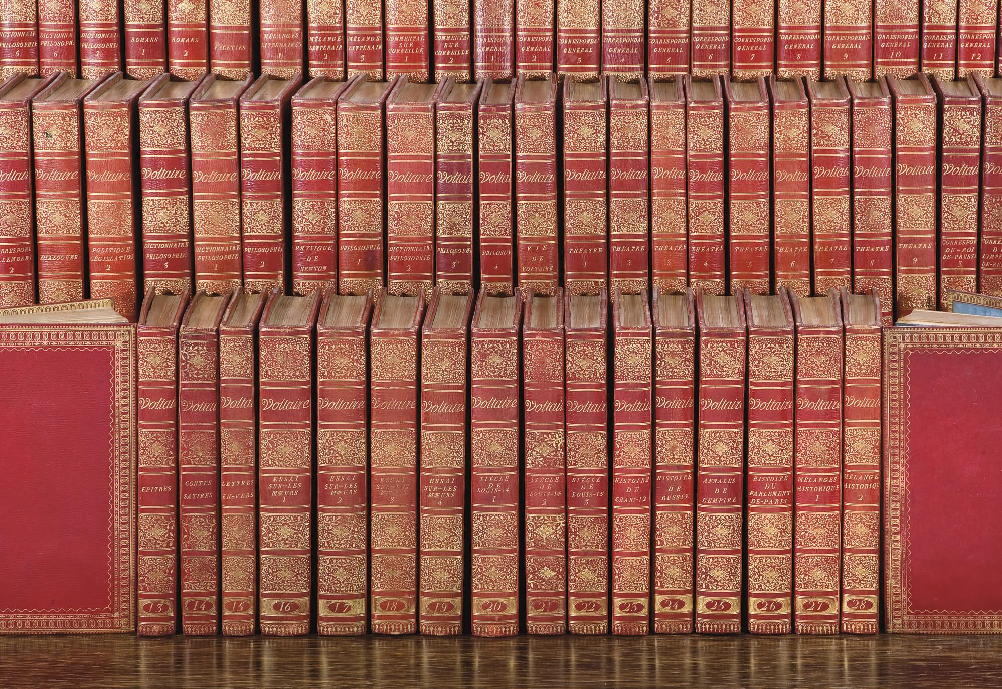 VOLTAIRE, François Marie Arouet de (1694-1778). Oeuvres complètes. Kehl: Société Typographique, 1784-1789.