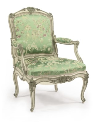A LOUIS XV WHITE AND GREEN DEC