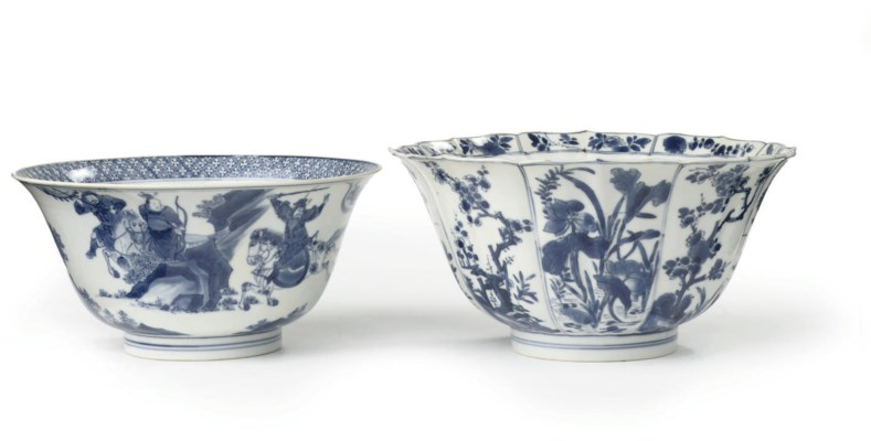 Two Chinese blue and white bow