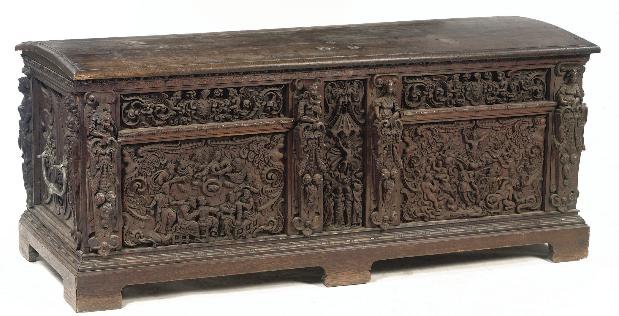 A GERMAN OAK CHEST