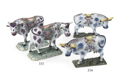 A pair of Dutch Delft 'petit f