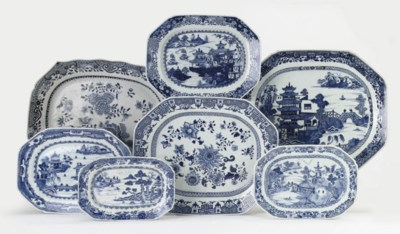 A group of seven Chinese blue