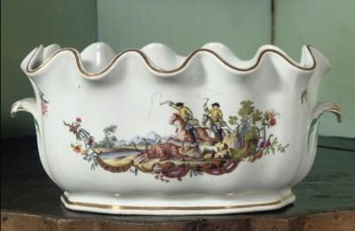 A Meissen porcelain monteith