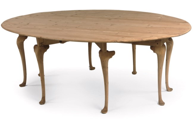 An English pine gate-leg table