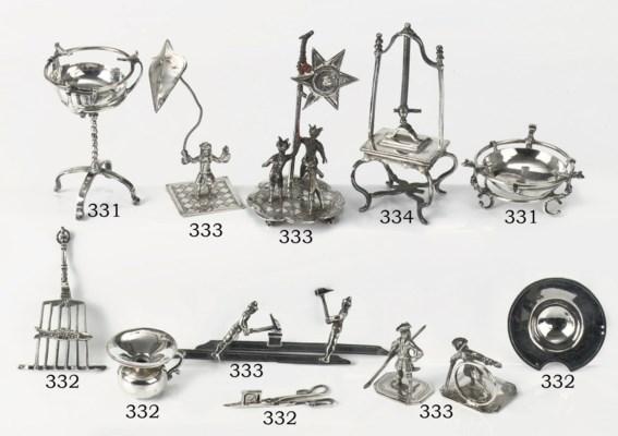 A Dutch silver miniature linen