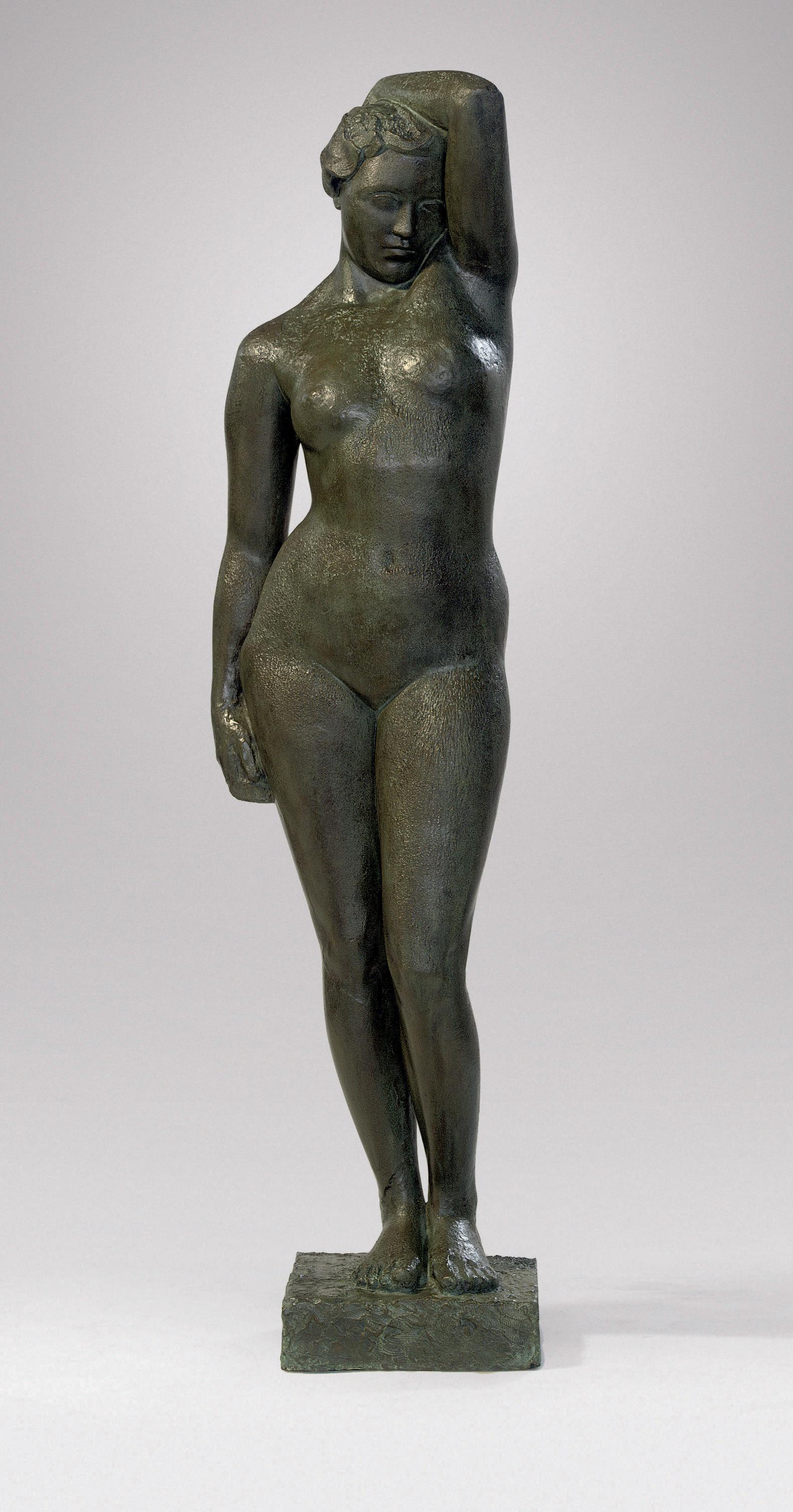 Staand naakt met geheven arm: standing nude